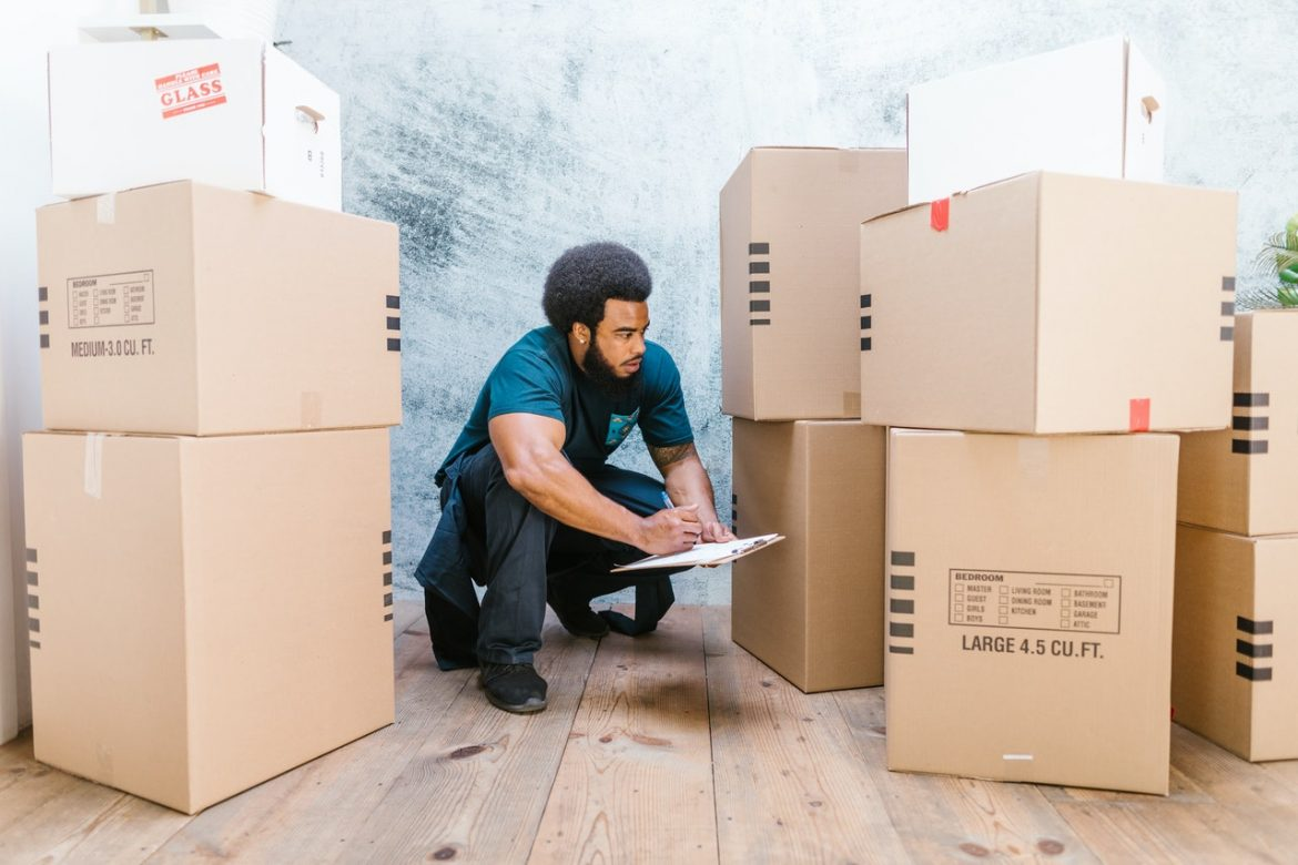 BUDGETING TIPS TO REDUCE YOUR EXPENSES ON PACKERS AND MOVERS SERVICES