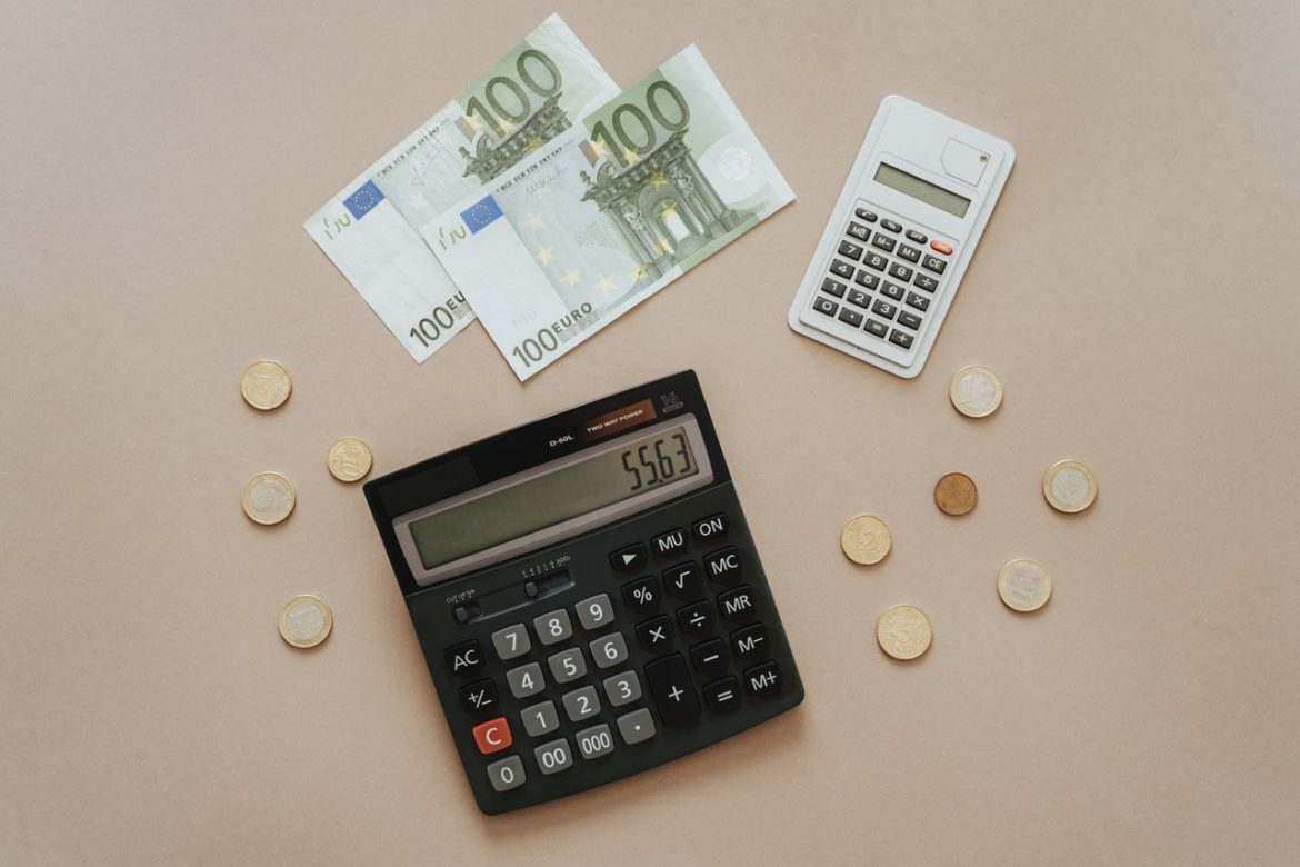 Methods to Handle Accounts Payable and Receivable Process